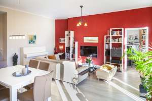Altbau-style 3-room apartment for sale in Berlin Prenzlauer Berg