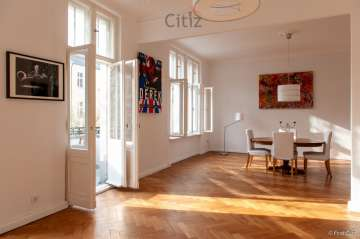Spacious 4-room apartment with a balcony and lots of natural light, 10713 Berlin, Apartment