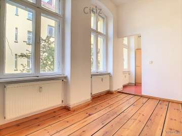 Bright 1-room apartment in a well maintained period building near Volkspark Friedrichshain, 10249 Berlin, Apartment
