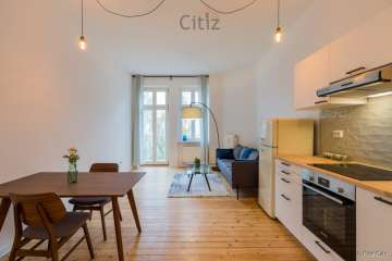 Bright 2-rooms apartment with a balcony in Samariterkiez, 10247 Berlin, Apartment for sale
