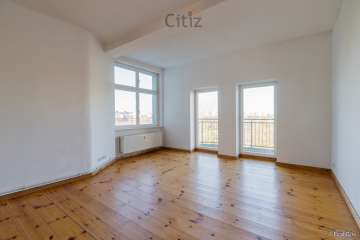 Light-flooded apartment with two balconies and view over Mauerpark for sale, 10435 Berlin, Apartment for sale