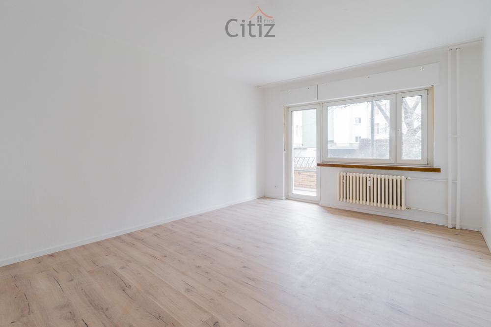 À côté de KaDeWe: Appartement lumineux de 2 pièces avec balcon à vendre